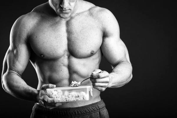 Для того, щоб найкращим чином використовувати додаткові калорії, якими буде насичуватись організм під час набору м'язової маси, не повинно бути зайвого жир