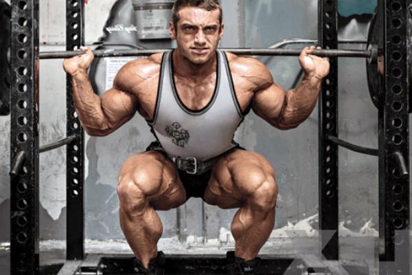 Потрібно тренуватися - спочатку для збільшення силових показників, а вже потім для набору м'язової маси